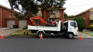 Truck excavator